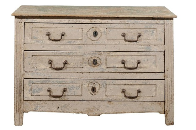 Petite French 1800s Neoclassical Painted Three-Drawer Chest from Aix-en-provence