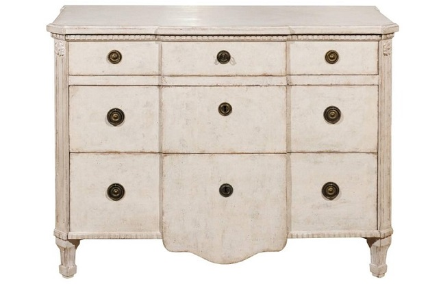 Swedish Painted Breakfront Three-Drawer Commode with Dentil Molding, circa 1880