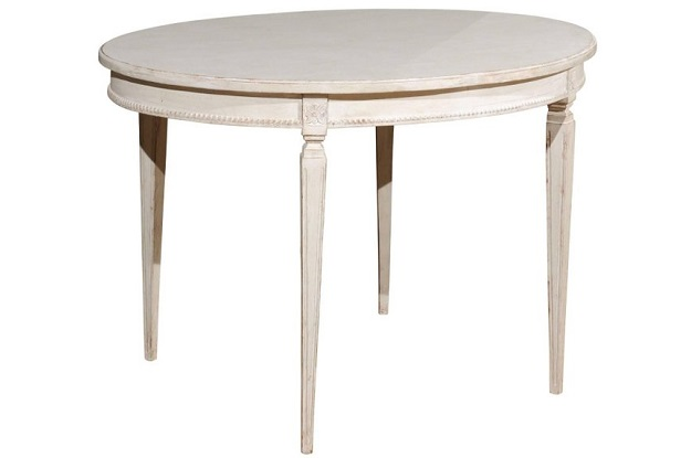 Gustavian Style 1900s Swedish Painted Oval Table from Växjö with Beaded Motifs