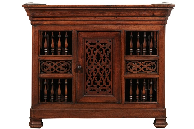 1850s Louis Philippe French Dauphinoise Walnut Panetière with Openwork Motifs